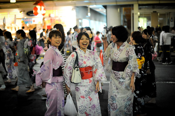 Ladies at Gion Matsuri - image copyright Jeffrey Friedl