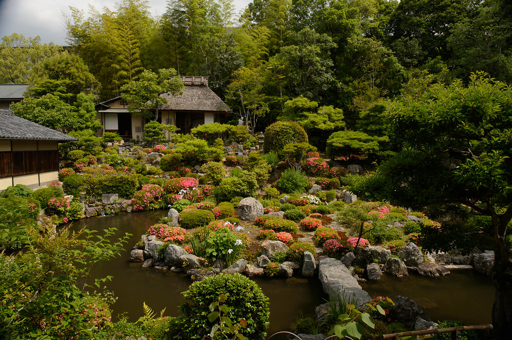 Toji-in Temple Garden with azaleas in bloom image copyright Jeffrey Friedl